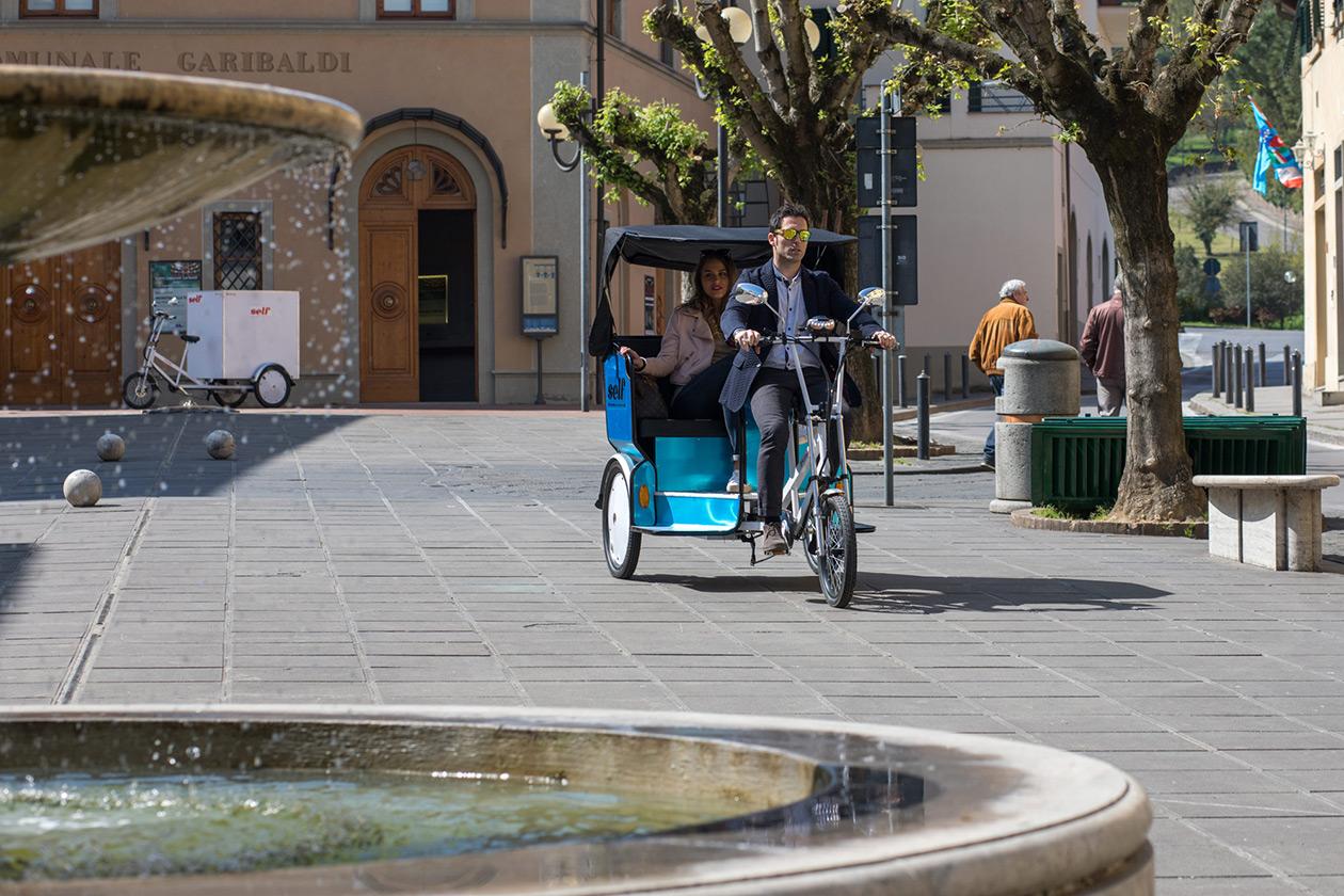 E Trike Gladiator Ii Triciclo Risciò Trasporto Persone Self